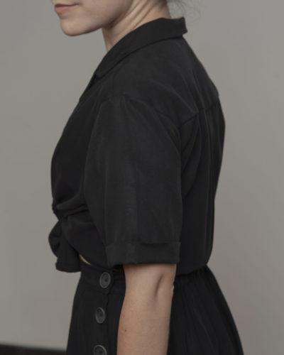 Camisa negra nudo