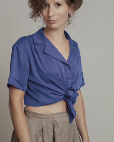camisa nudo azul trabajo