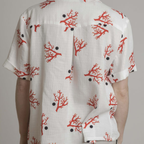 camisa nudo con coral y lunar