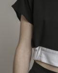 cropped top cuello balnco cinturilla