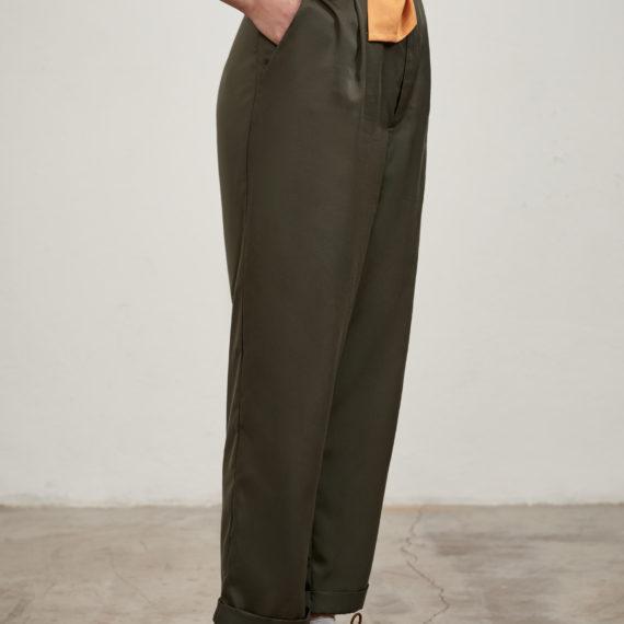 pantalón caqui